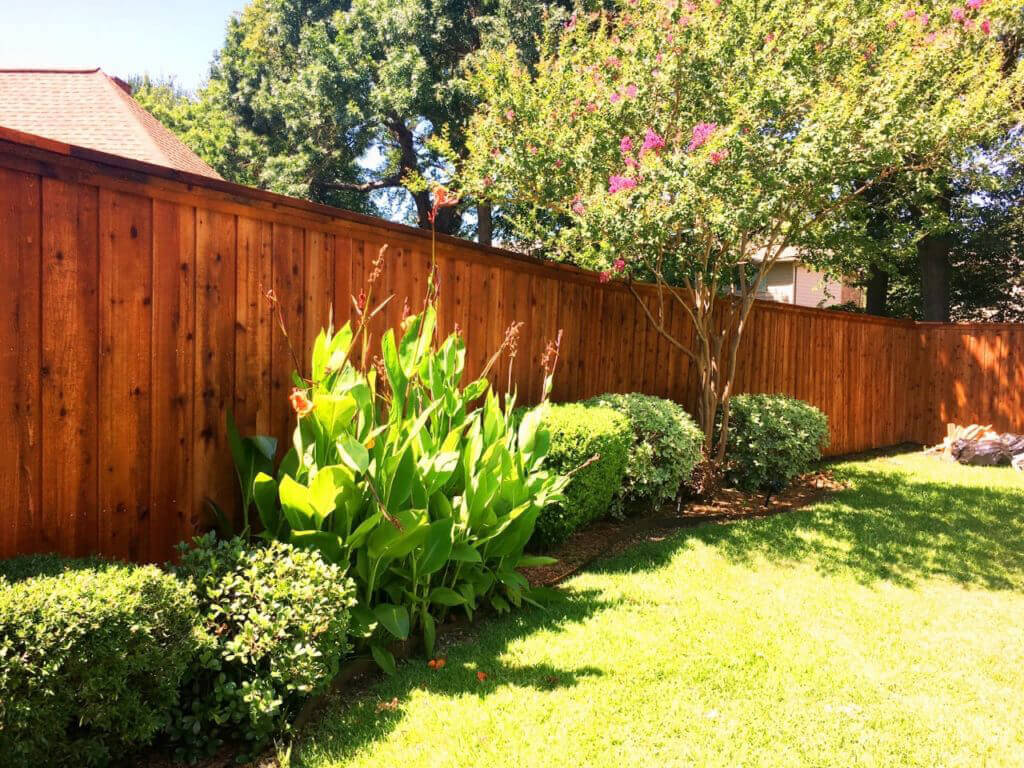 ozco-How-to-Choose-a-Stain-Color-for-a-Fence