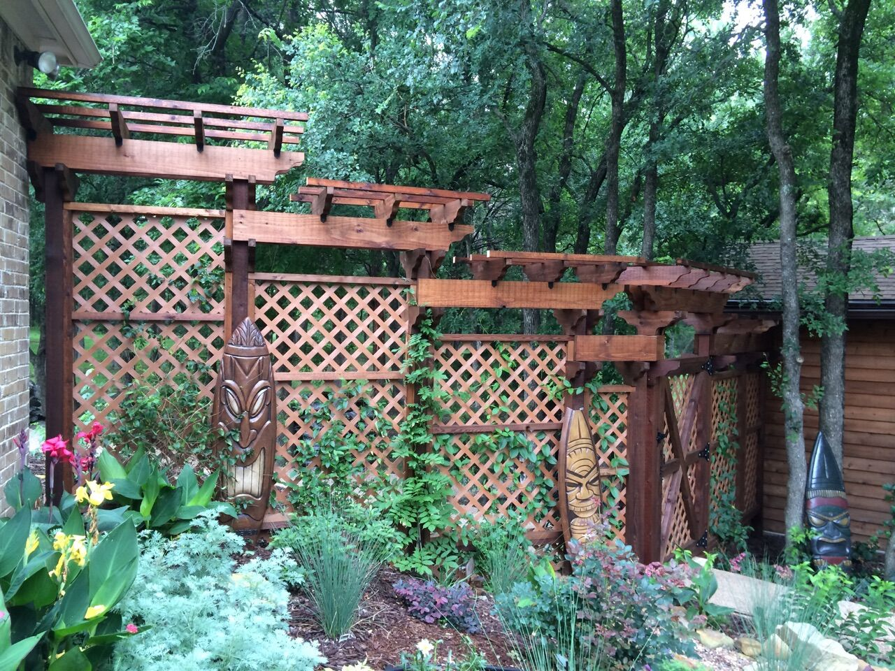 Garden arbors with trellises provide shade privacy and a for Trellis or arbor